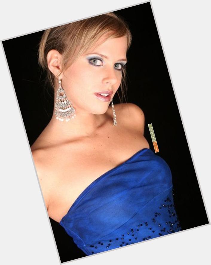 Rossana Fernandez Maldonado hairstyle 6.jpg