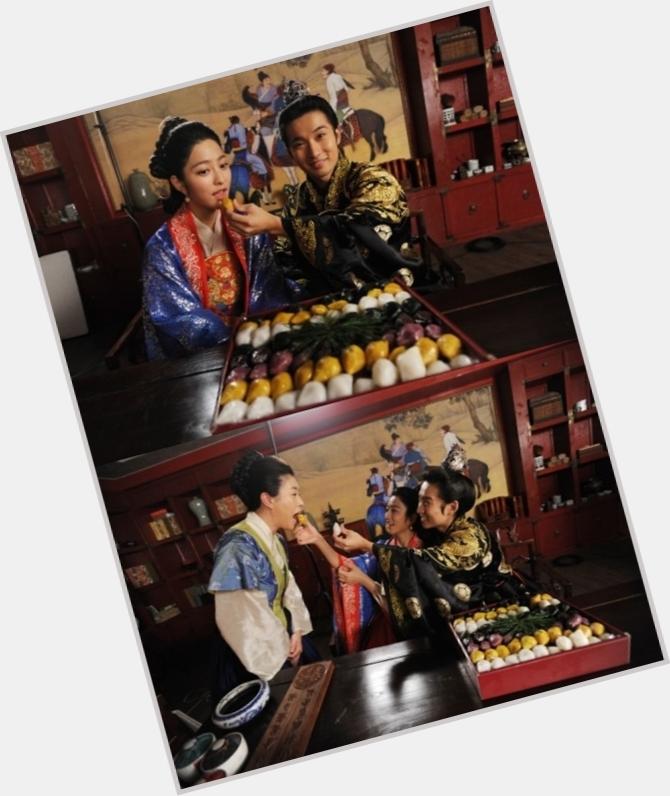 Ryu Deok Hwan dating 2