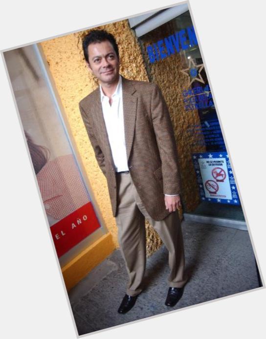 """<a href=""""/hot-men/roberto-blandon/is-he-tall"""">Roberto Blandon</a>"""