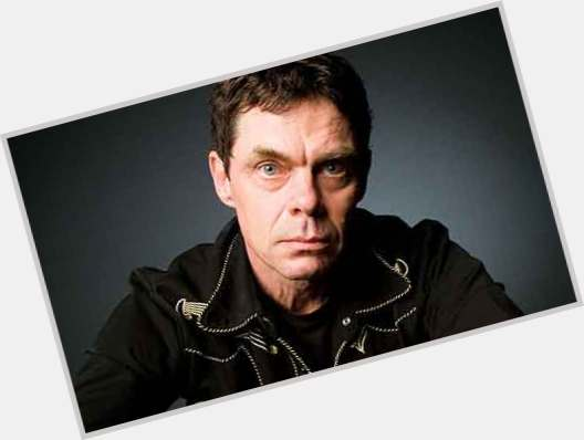 "<a href=""/hot-men/rich-hall/is-he-married-moe-simpsons-famous-america-twitter"">Rich Hall</a> Slim body,  dark brown hair & hairstyles"