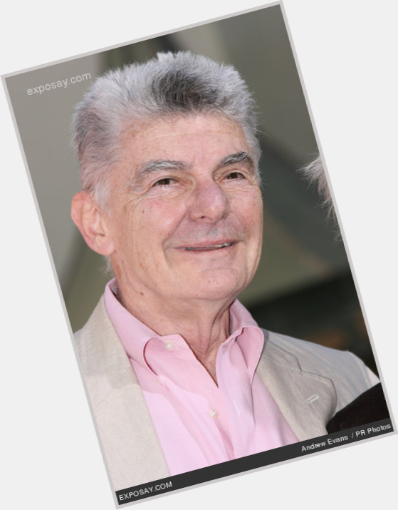 "<a href=""/hot-men/richard-benjamin/is-he-harrison-married-still-alive-where-now"">Richard Benjamin</a> Average body,  salt and pepper hair & hairstyles"