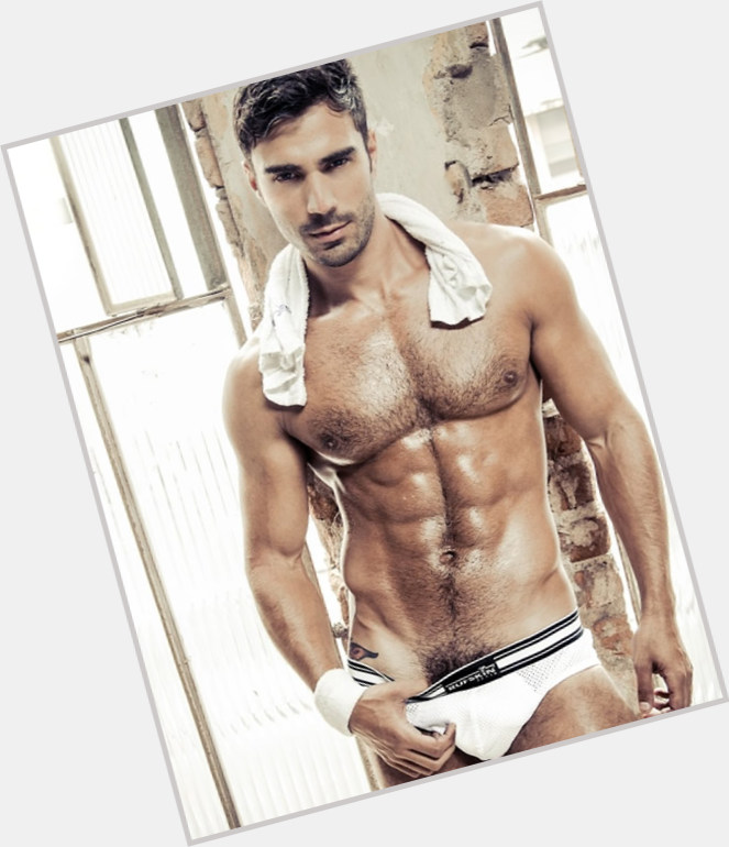 """<a href=""""/hot-men/rodiney-santiago/is-he-top-or-bottom-and-reichen-still"""">Rodiney Santiago</a> Athletic body,  dark brown hair & hairstyles"""