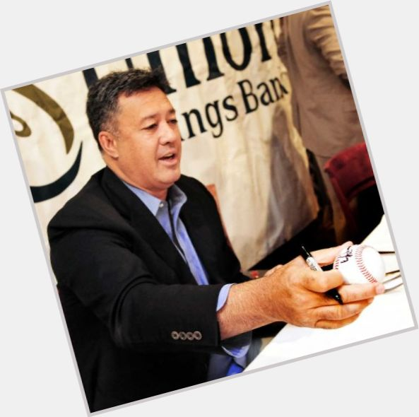 "<a href=""/hot-men/ron-darling/is-he-hawaiian-wife-where-today-darlings-catcher"">Ron Darling</a> Athletic body,  black hair & hairstyles"