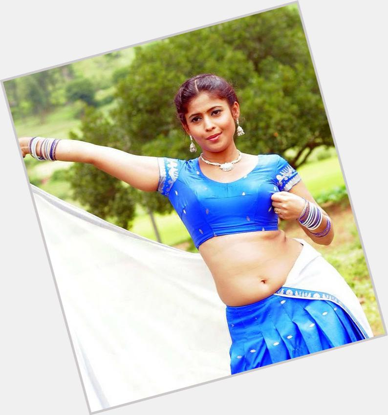 Saira Banu hairstyle 9