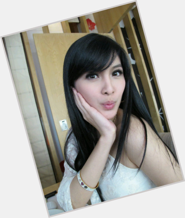 Sandra Dewi full body 8.jpg