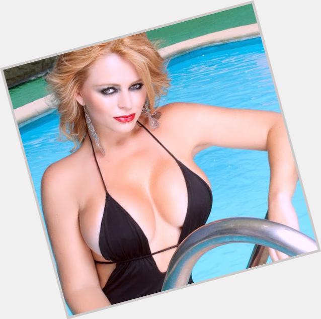 Sandra Munoz hairstyle 8.jpg