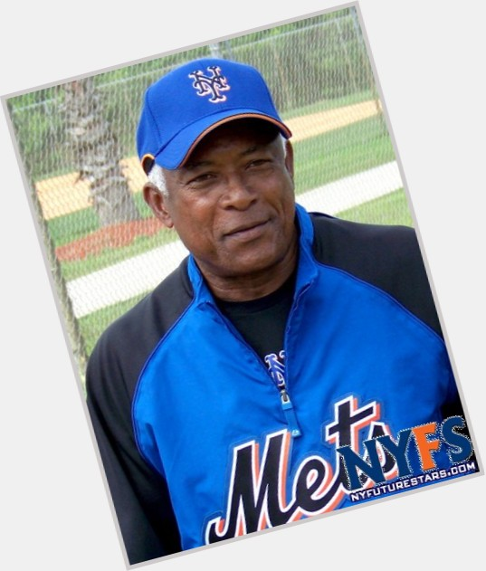 Sandy Alomar,sr. birthday 2015
