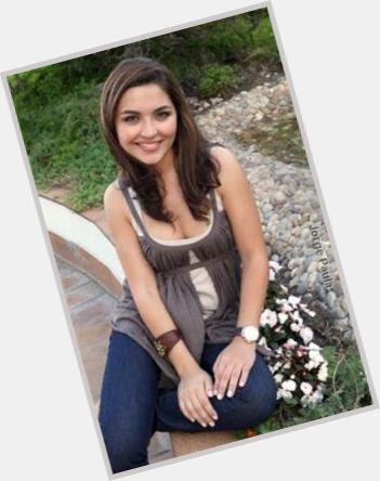 """<a href=""""/hot-women/sara-barradas/where-dating-news-photos"""">Sara Barradas</a> Slim body,  dark brown hair & hairstyles"""