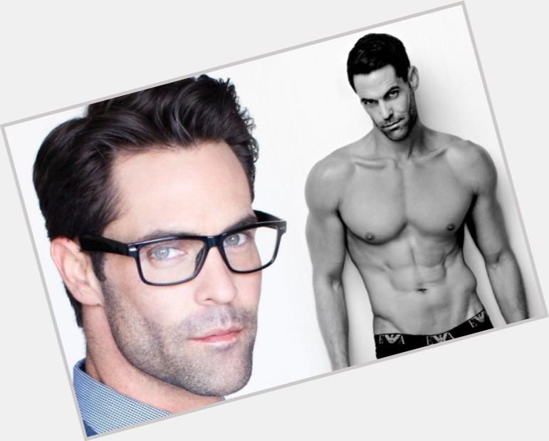 "<a href=""/hot-men/shane-scott/where-dating-news-photos"">Shane Scott</a> Athletic body,  dark brown hair & hairstyles"