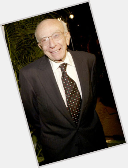 "<a href=""/hot-men/sherwood-schwartz/where-dating-news-photos"">Sherwood Schwartz</a> Average body,  grey hair & hairstyles"