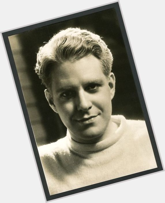 "<a href=""/hot-men/sigmund-romberg/where-dating-news-photos"">Sigmund Romberg</a>"