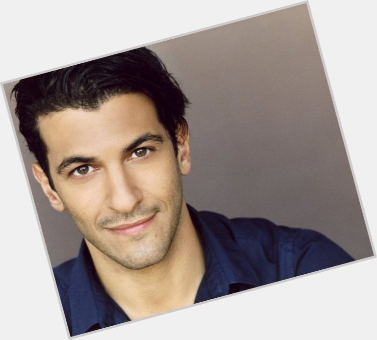 Simon Kassianides hairstyle 9.jpg