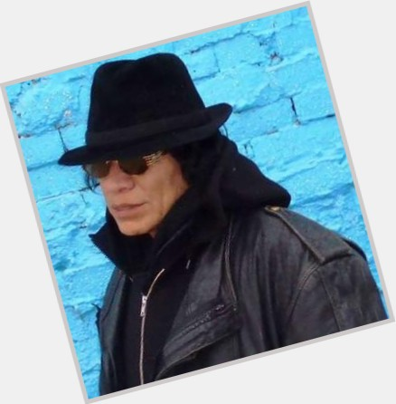 "<a href=""/hot-men/sixto-rodriguez/where-dating-news-photos"">Sixto Rodriguez</a> Average body,  black hair & hairstyles"