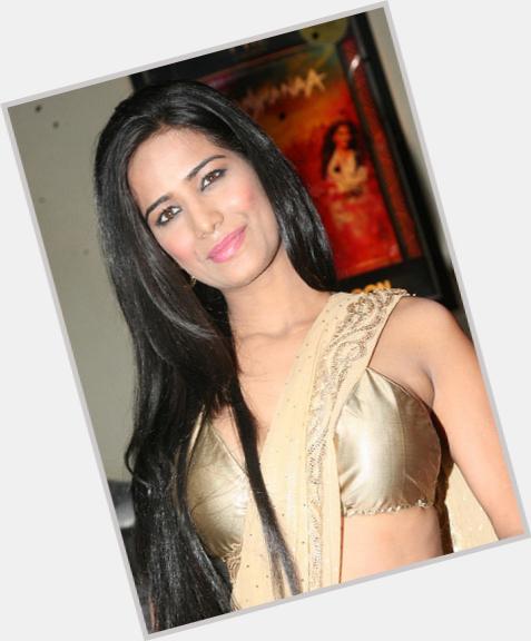 "<a href=""/hot-women/smita-patil/where-dating-news-photos"">Smita Patil</a> Slim body,  black hair & hairstyles"