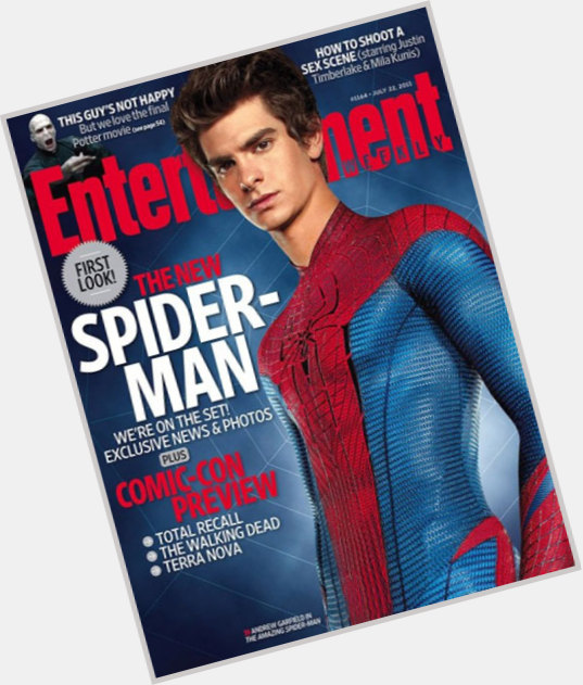 Spider Man dark brown hair & hairstyles Athletic body,