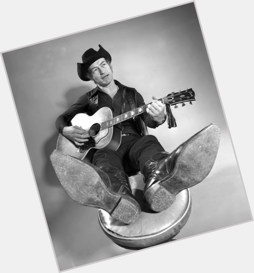 """<a href=""""/hot-men/stompin-tom-connors/where-dating-news-photos"""">Stompin Tom Connors</a> Slim body,  dark brown hair & hairstyles"""