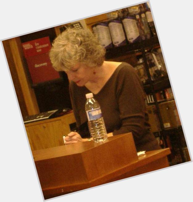 Sue Grafton full body 3