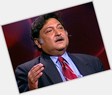 Sugata Mitra full body 5.jpg