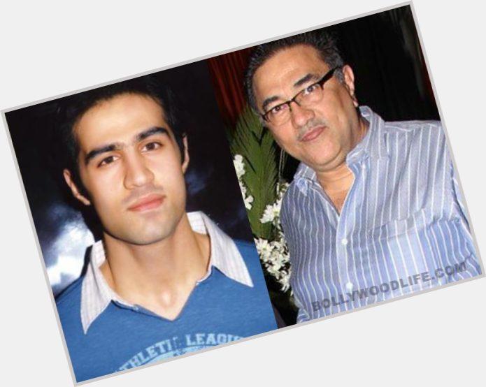 "<a href=""/hot-men/suneel-darshan/where-dating-news-photos"">Suneel Darshan</a>"