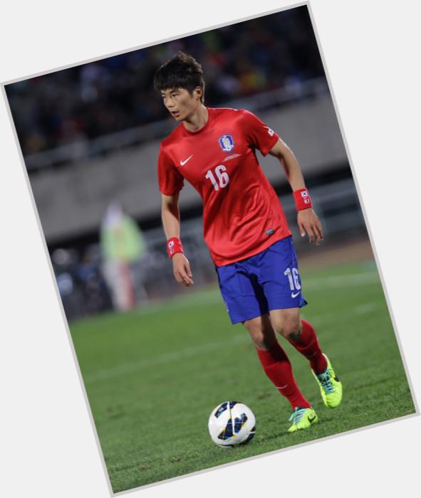Sung Yueng Ki sexy 0.jpg