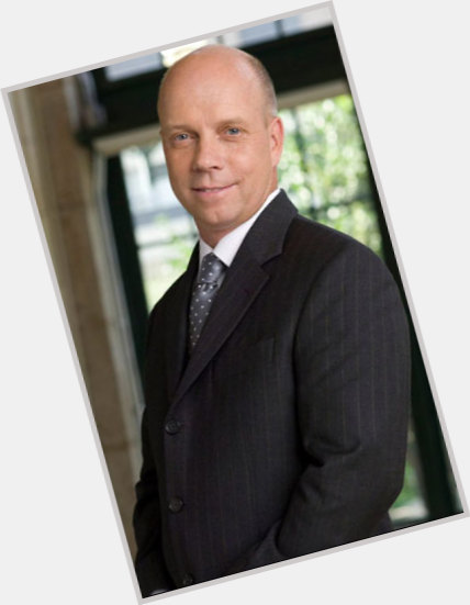 "<a href=""/hot-men/scott-hamilton/is-he-christian-sick-married-alive-republican-amputee"">Scott Hamilton</a> Average body,  grey hair & hairstyles"