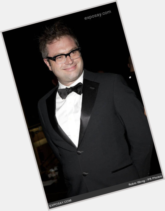"<a href=""/hot-men/steven-page/is-he-back-bnl-still-coming-married-touring"">Steven Page</a> Average body,  dark brown hair & hairstyles"