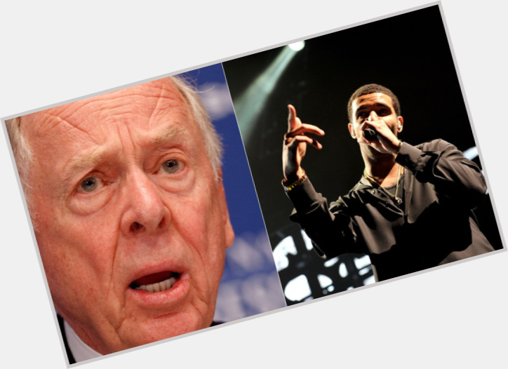 """<a href=""""/hot-men/t-boone-pickens/where-dating-news-photos"""">T Boone Pickens</a>"""