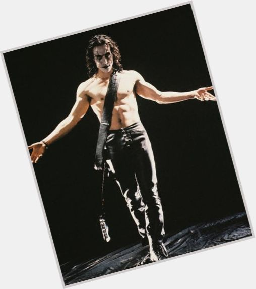 """<a href=""""/hot-men/the-crow/is-he-good-movie-comic-smartest-bird-dc"""">The Crow</a>"""