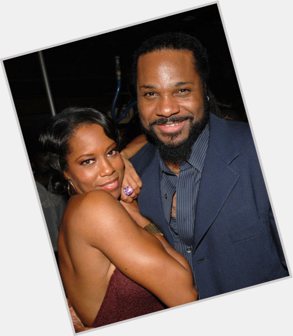 """<a href=""""/hot-men/theo-huxtable/where-dating-news-photos"""">Theo Huxtable</a> Athletic body,  black hair & hairstyles"""