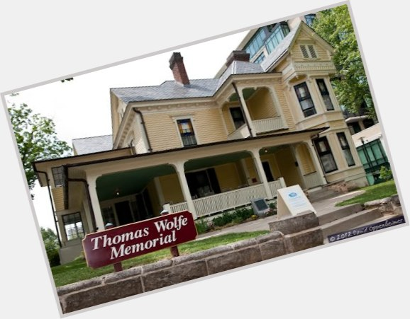 Thomas Wolfe exclusive hot pic 9.jpg