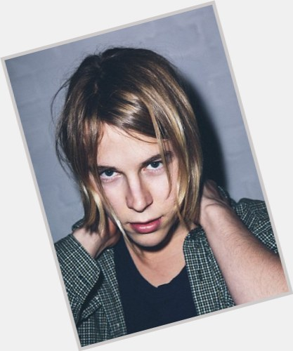 """<a href=""""/hot-men/tom-odell/where-dating-news-photos"""">Tom Odell</a>"""