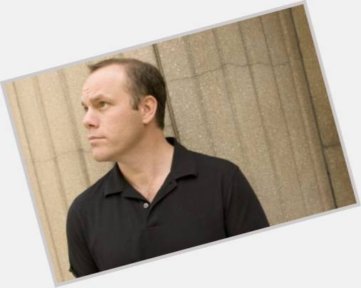 "<a href=""/hot-men/tom-papa/where-dating-news-photos"">Tom Papa</a> Average body,  light brown hair & hairstyles"