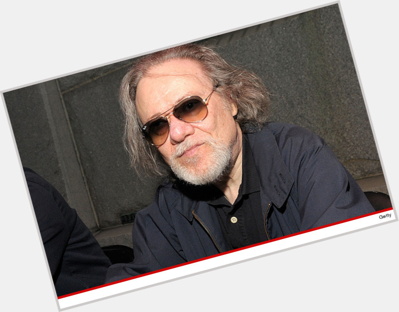 """<a href=""""/hot-men/tommy-ramone/where-dating-news-photos"""">Tommy Ramone</a> Slim body,  dark brown hair & hairstyles"""