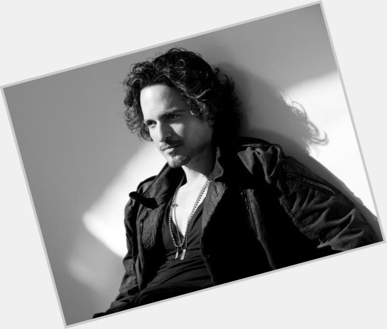 Tommy Torres hairstyle 4.jpg