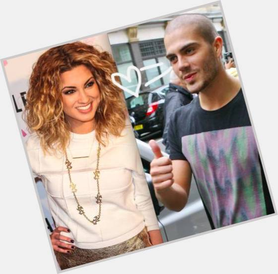 "<a href=""/hot-women/tori-kelly/where-dating-news-photos"">Tori Kelly</a>  blonde hair & hairstyles"