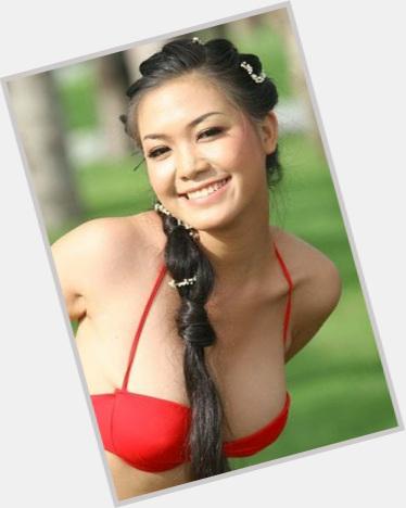"<a href=""/hot-women/tran-thi-thuy-dung/where-dating-news-photos"">Tran Thi Thuy Dung</a>"