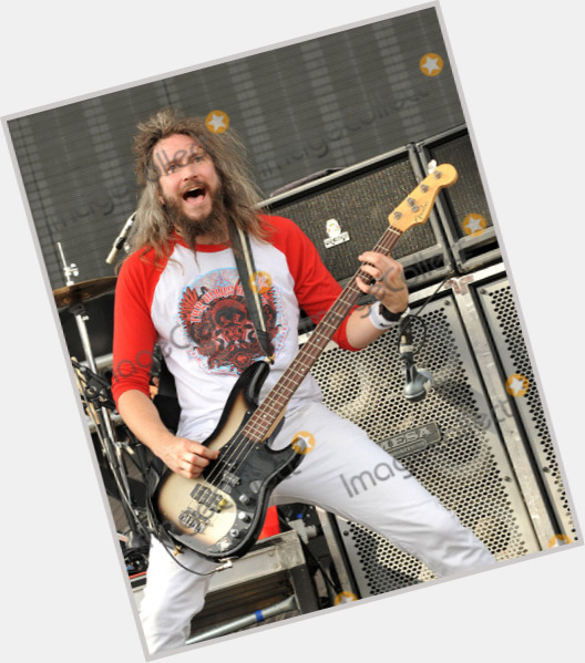 """<a href=""""/hot-men/troy-sanders/where-dating-news-photos"""">Troy Sanders</a> Average body,  light brown hair & hairstyles"""