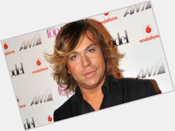 "<a href=""/hot-men/tryfonas-samaras/where-dating-news-photos"">Tryfonas Samaras</a> Average body,  dyed blonde hair & hairstyles"