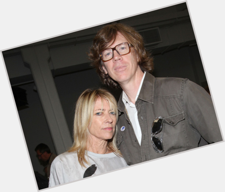 "<a href=""/hot-men/thurston-moore/is-he-straight-edge-religious-married-kim-gordon"">Thurston Moore</a> Slim body,  light brown hair & hairstyles"