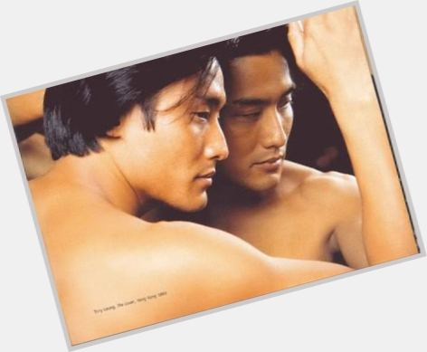 "<a href=""/hot-men/tony-leung/is-he-martial-artist-married-handsome-divorce-ka"">Tony Leung</a> Average body,  dark brown hair & hairstyles"