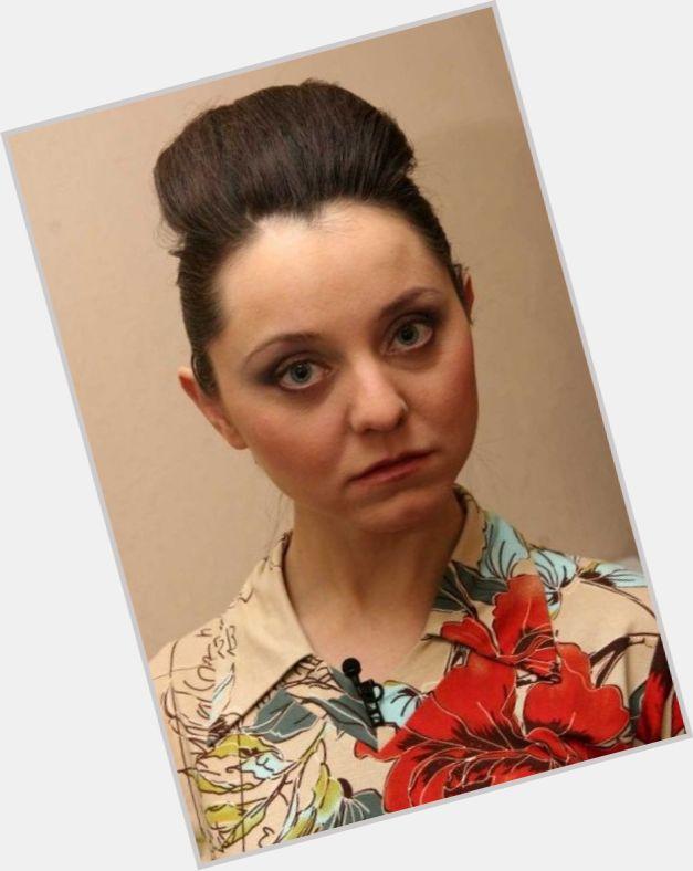 "<a href=""/hot-women/valentina-rubtsova/where-dating-news-photos"">Valentina Rubtsova</a> Average body,  dark brown hair & hairstyles"