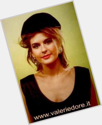 "<a href=""/hot-women/valerie-dore/where-dating-news-photos"">Valerie Dore</a> Slim body,  light brown hair & hairstyles"