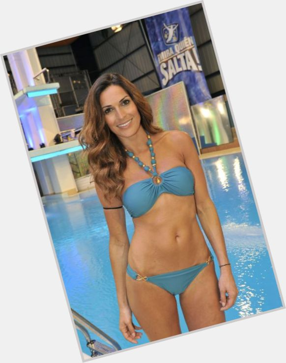 "<a href=""/hot-women/veronica-hidalgo/where-dating-news-photos"">Veronica Hidalgo</a> Slim body,  light brown hair & hairstyles"