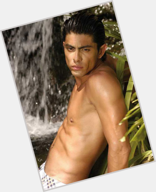 "<a href=""/hot-men/victor-garcia/where-dating-news-photos"">Victor Garcia</a> Slim body,  black hair & hairstyles"
