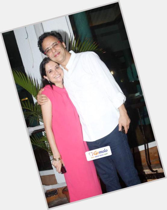 "<a href=""/hot-men/vidhu-vinod-chopra/where-dating-news-photos"">Vidhu Vinod Chopra</a>"