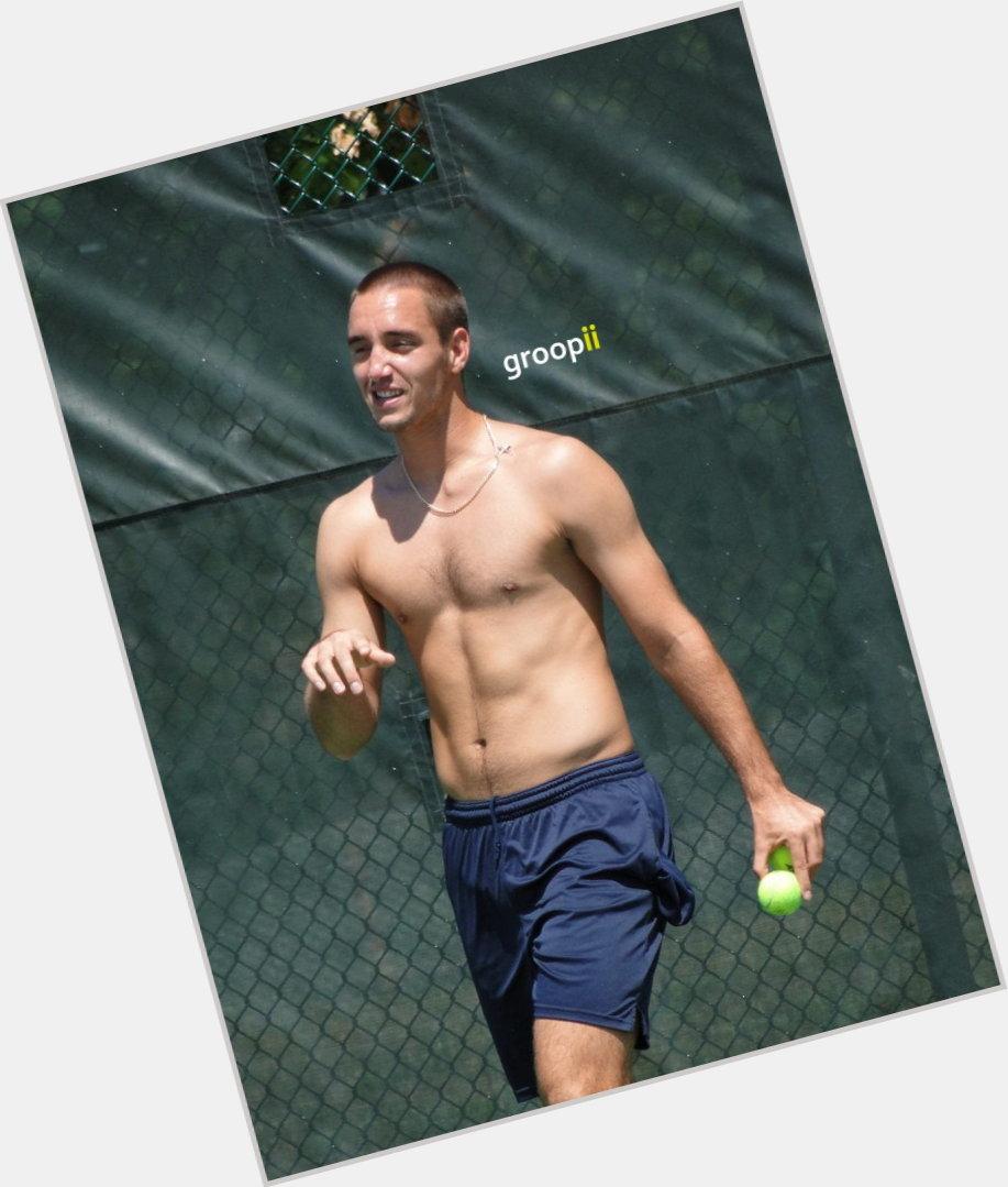 "<a href=""/hot-men/viktor-troicki/where-dating-news-photos"">Viktor Troicki</a> Athletic body,  dark brown hair & hairstyles"
