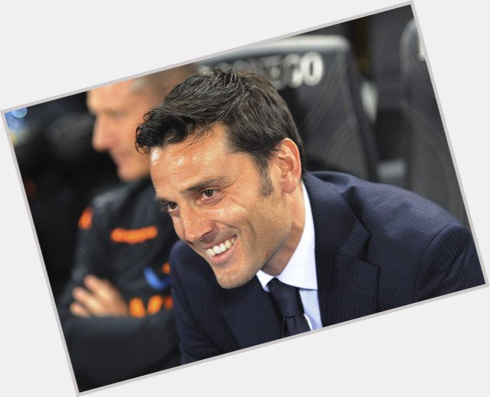 Vincenzo Montella full body 6.jpg