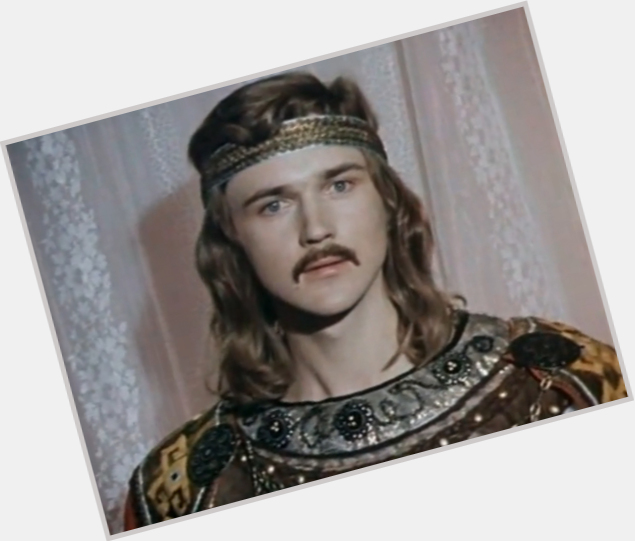 "<a href=""/hot-men/vladimir-antonik/where-dating-news-photos"">Vladimir Antonik</a> Average body,  dark brown hair & hairstyles"