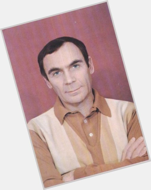 "<a href=""/hot-men/vladimir-zamansky/where-dating-news-photos"">Vladimir Zamansky</a> Average body,  dark brown hair & hairstyles"