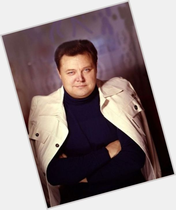 Vyacheslav Nevinnyy full body 6.jpg